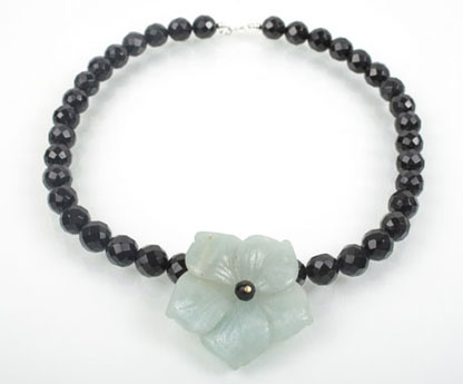 Faceted Black Oynx and Aventurine Flower Necklace