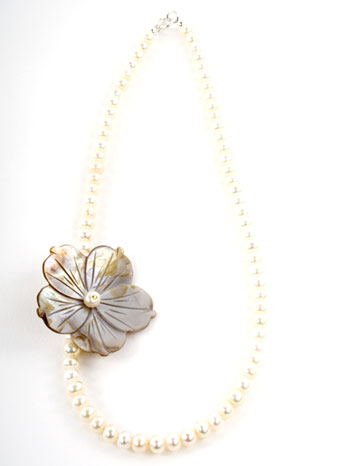 Freshwater Pearl and Mother of Pearl Flower Necklace